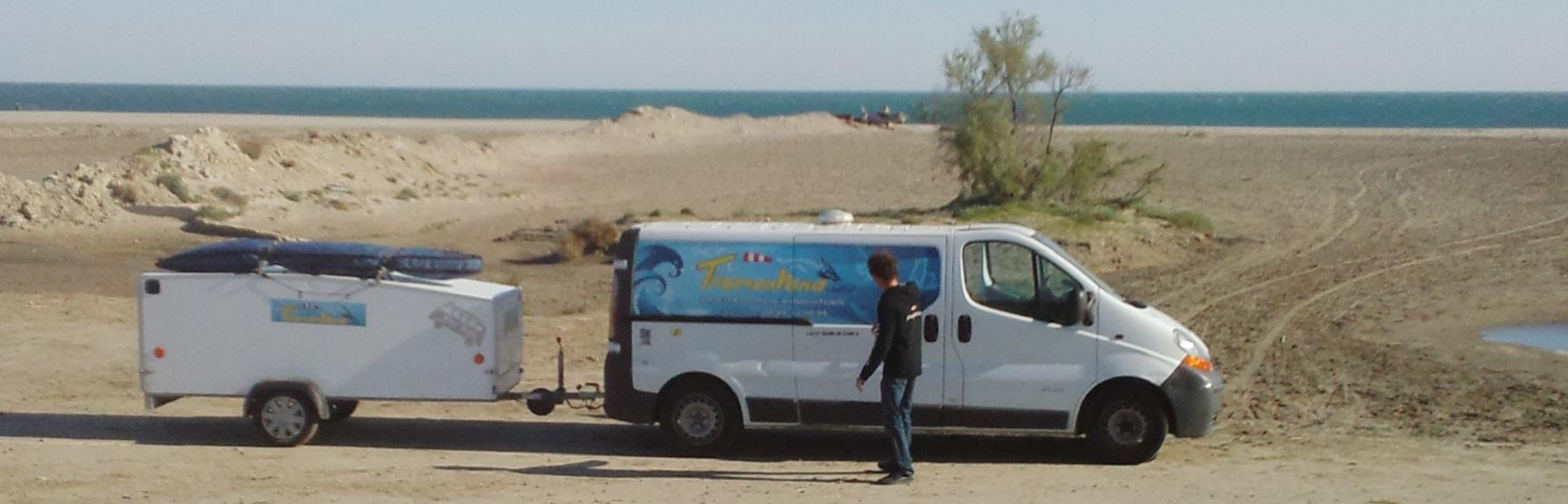 L'équipe de Tramontana Windsurf, école mobile de windsurf